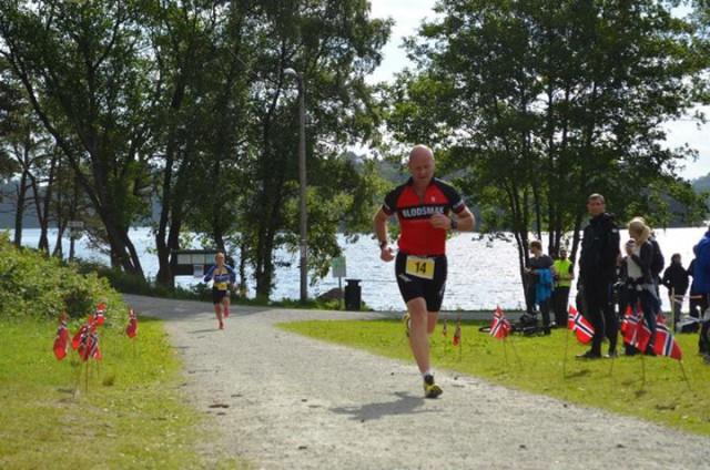 Blodsmaker Jan Finstad i fint driv inn mot mål! Foto: Kelly Isenberger (via Facebook)